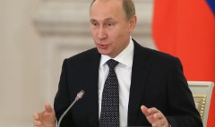 Russia's credit rating downgraded to junk