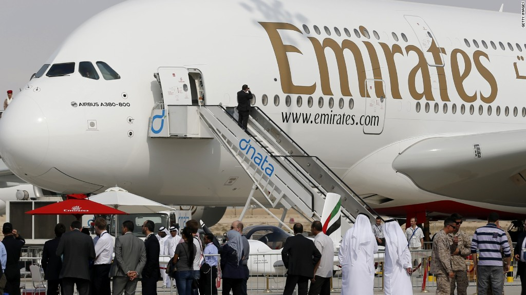 150219114040-emirates-airplane-1024x576.