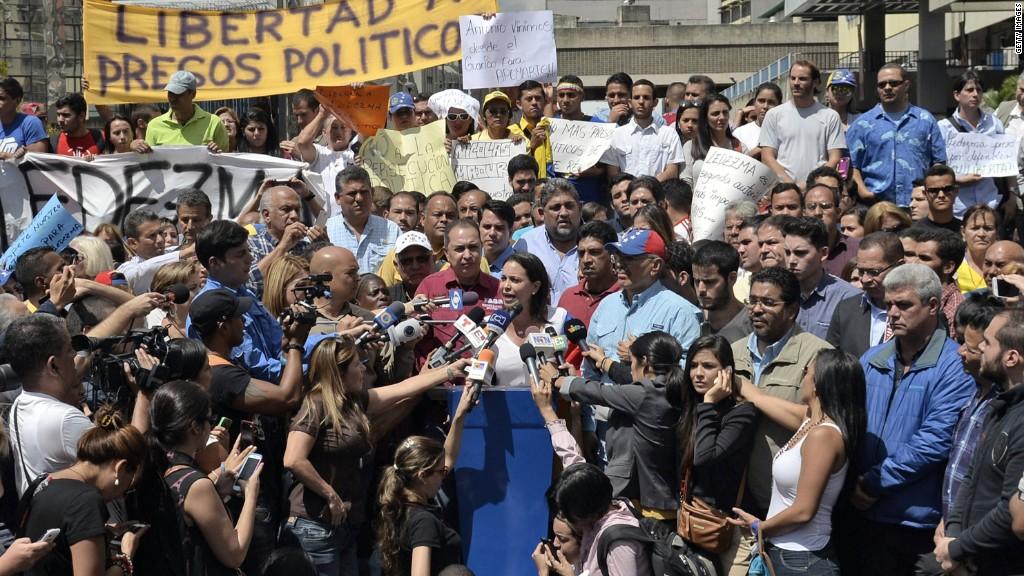 Venezuelan government arrests mayor of Caracas