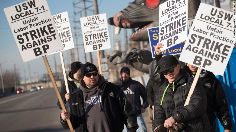 Workers at nation's largest oil refinery join growing strike thumbnail