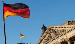 Yes, investors now pay to lend Germany money