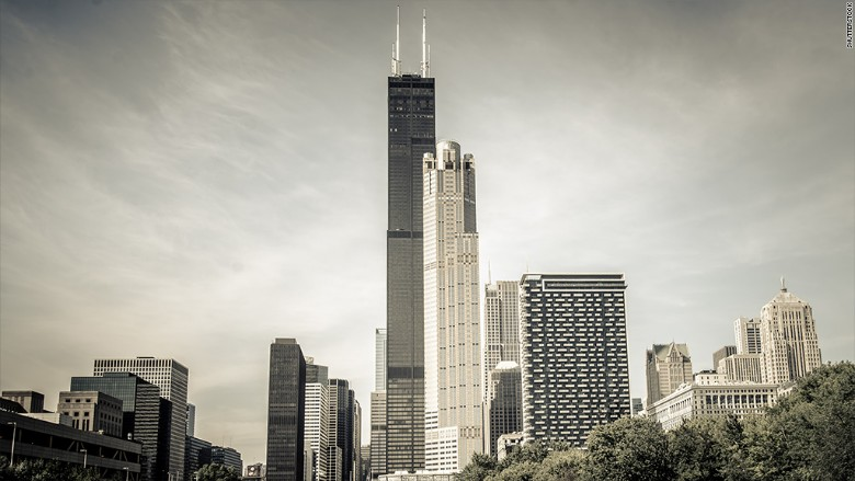 Chicago 39 S Tallest Building Willis Sears Tower Sells For