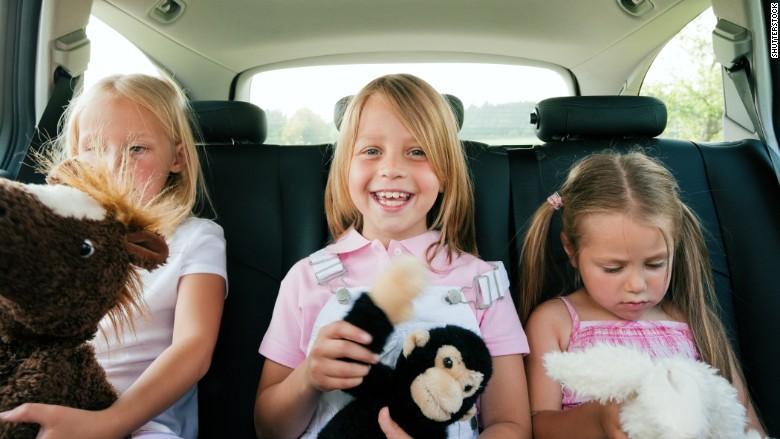 shuddle kids in car 2