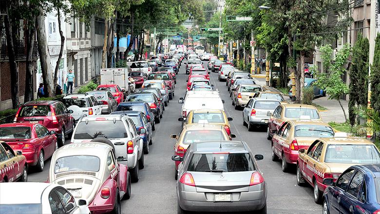 150330112015-mexico-city-traffic-780x439