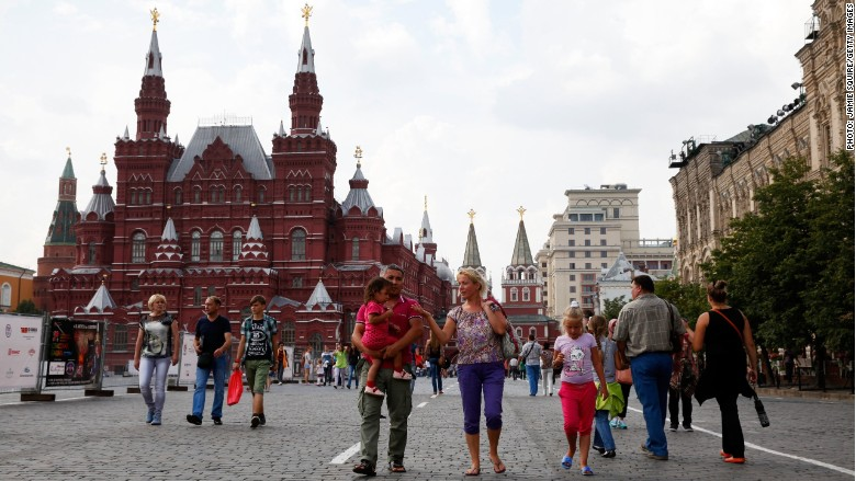 Airlines drop flights to cash-starved Russia