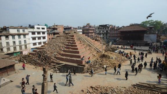 nepal temple quake