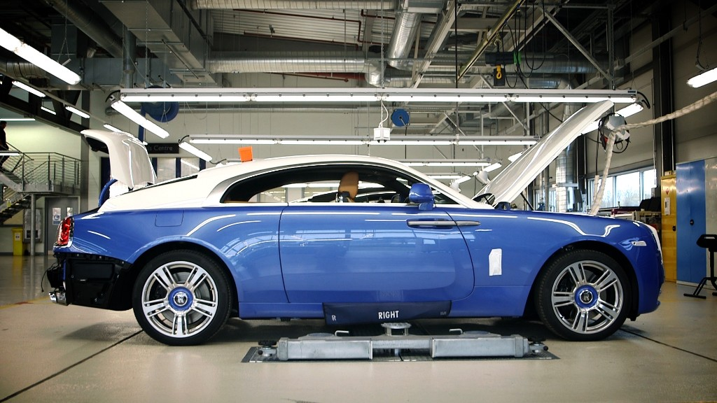 His only job - Painting the pinstripes on Rolls Royces - Apr. 30, 2015