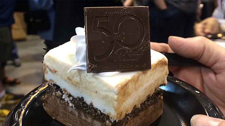 berkshire hathaway cake