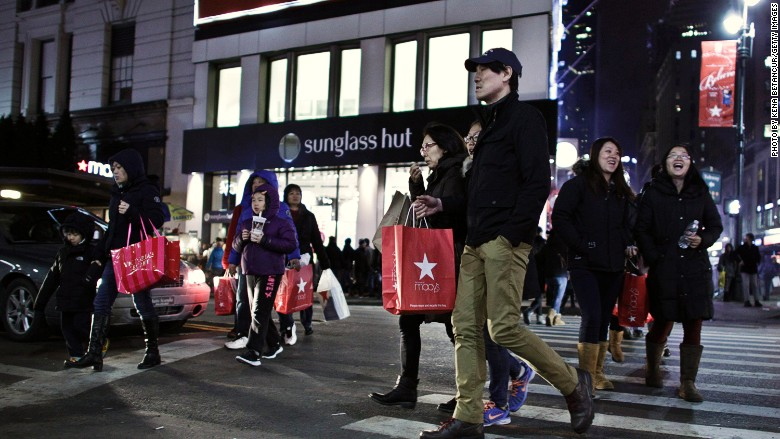Macys foreign tourists