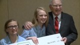 Young entrepreneurs pitch ideas to Warren Buffett