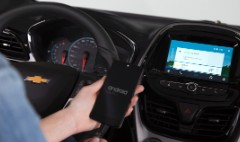 iPhones and Androids to hit the road in GM cars