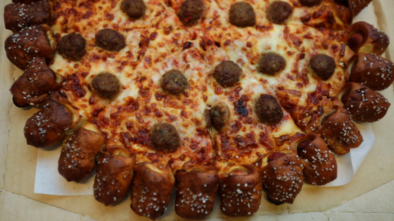 Hot Dog Pizza Hut Review