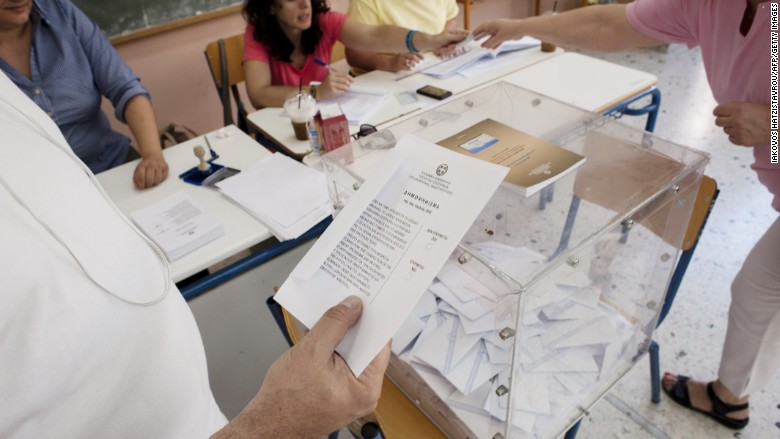 """Early results: Greece votes """"no"""" to bailout"""