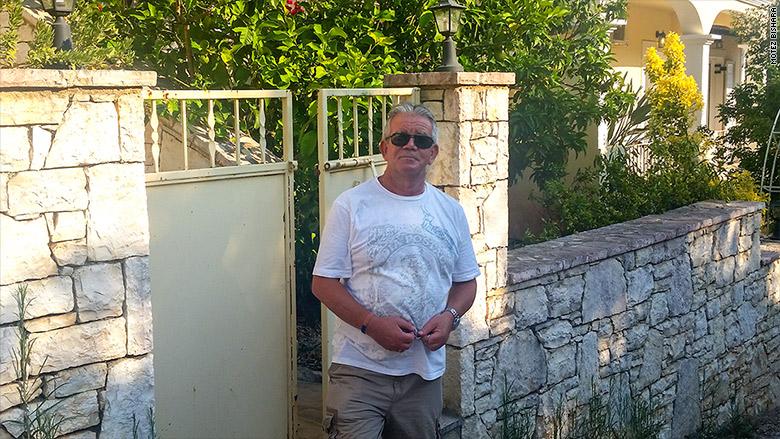 expat greece