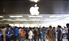 'Old' companies top Apple