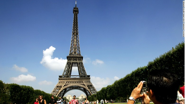 paris tourism tax airbnb