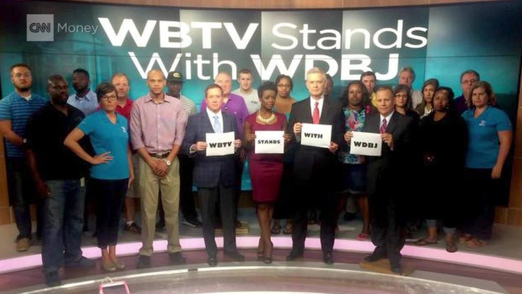 Newsrooms around the country: #WeStandWithWDBJ