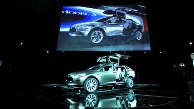 Jim Chanos explains why he's shorting Tesla