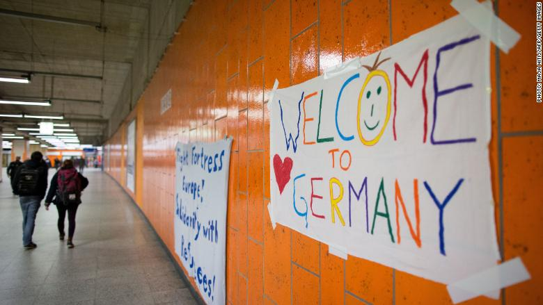 Germany welcome migrants