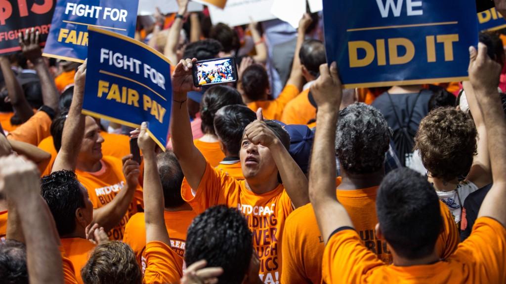 Biden supports New York's minimum wage increase
