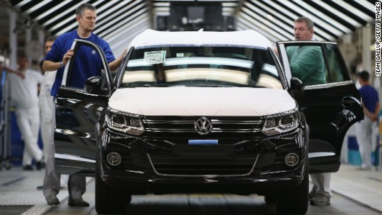 Volkswagen cuts Golf output in dispute with suppliers