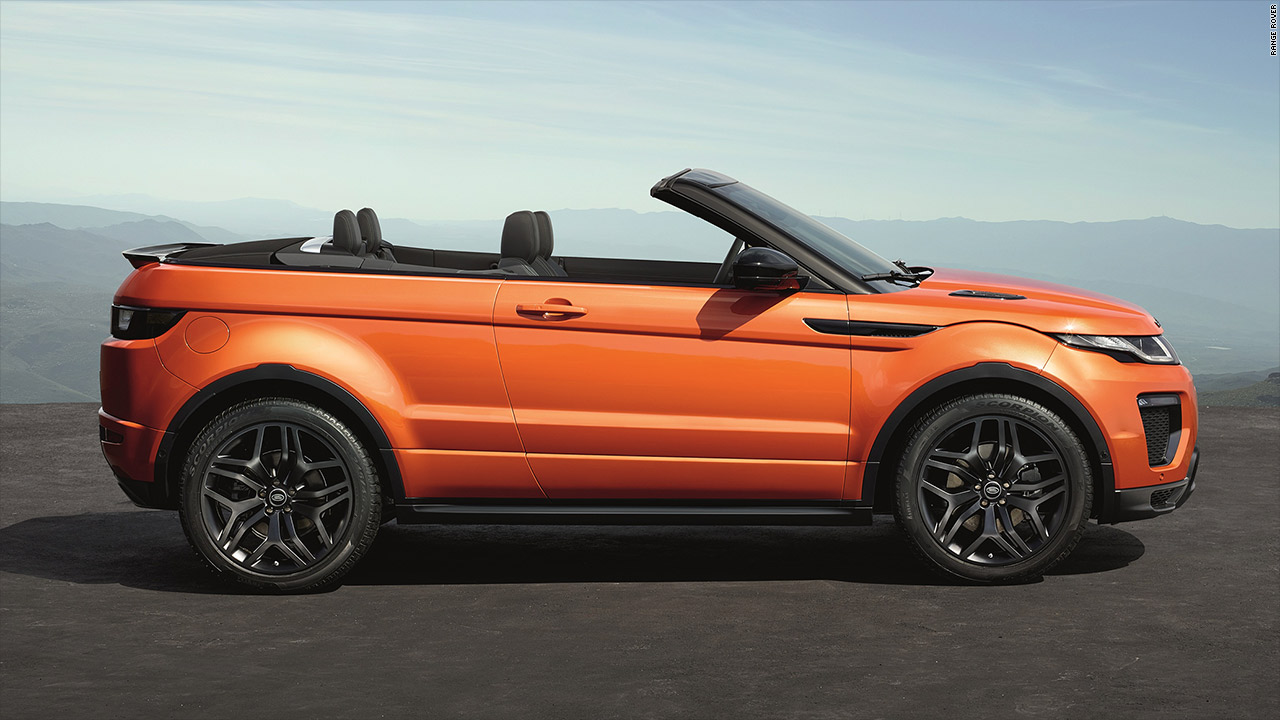 range rover 39 s evoque suv goes topless video luxury. Black Bedroom Furniture Sets. Home Design Ideas