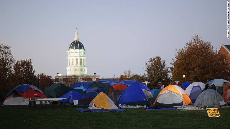mizzou protest media Tents ... & Protesters clash with media at University of Missouri - Nov. 10 2015