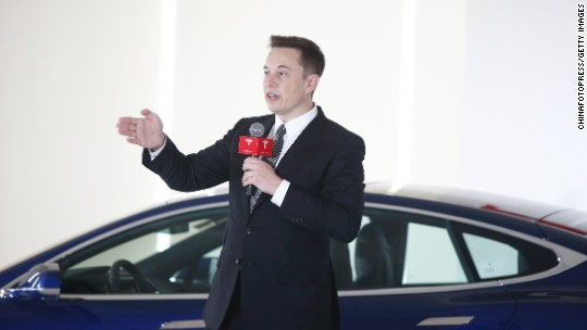 Elon Musk: Tesla will unveil a semi-truck in September