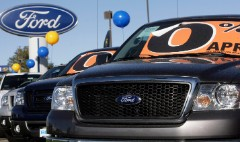 Car loans hit $1 trillion for first time