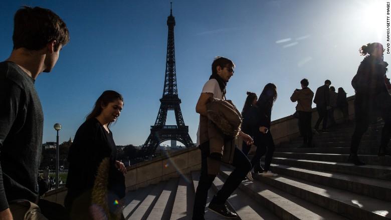 paris attack tourism eiffel tower