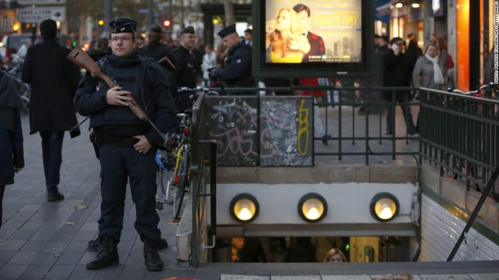 France steps up war against ISIS