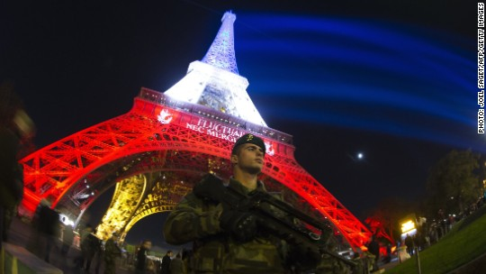 Paris tourism suffers huge slump after terror attack