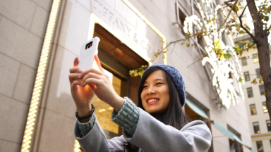 Gadgets for selfie fanatics on your gift list