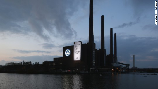 Volkswagen delays earnings report, can't put a cost on emissions scandal