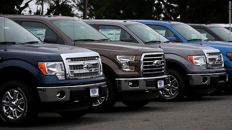 low gas prices boost suv and pickup sales. Black Bedroom Furniture Sets. Home Design Ideas