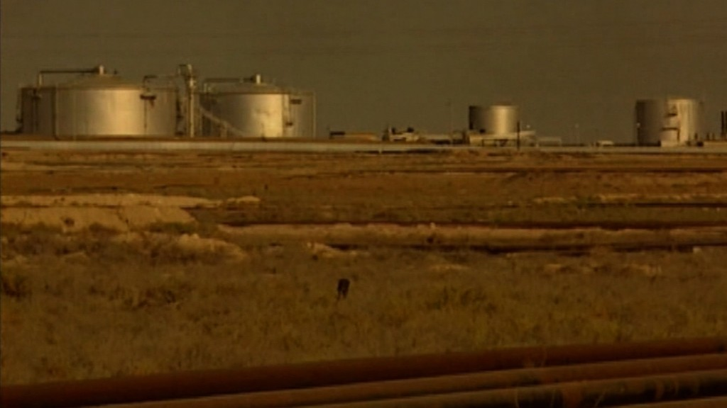 Oil prices slump to seven-year low