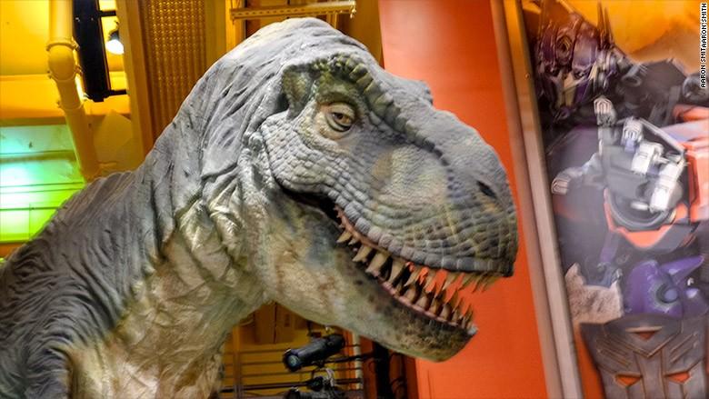 toy r us tyrannosaurus