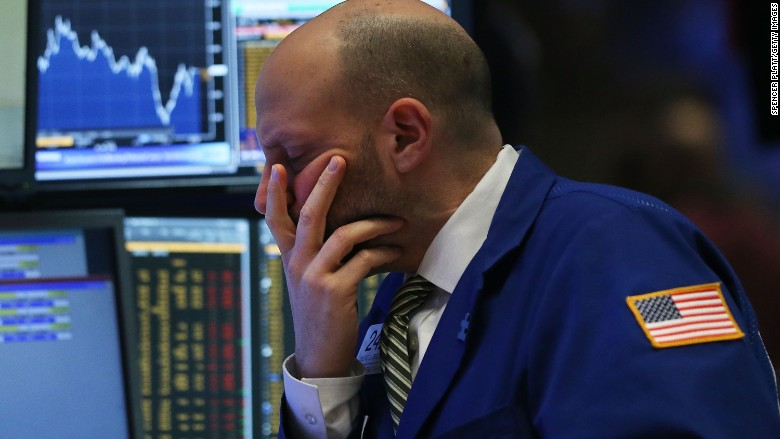 U.S. stocks drop as oil sinks to $30