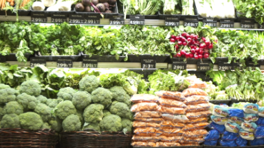 How to grocery shop like a food safety expert