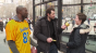 Billy Eichner, Terrell Owens ask strangers to do a touchdown dance