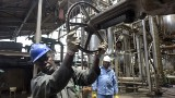 Falling oil prices hit Nigeria's economy