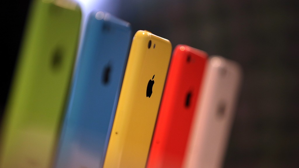 ACLU: Implications of Apple losing are 'enormous'