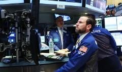 Deutsche Bank slumps; Clinton vs Trump; OPEC gathers