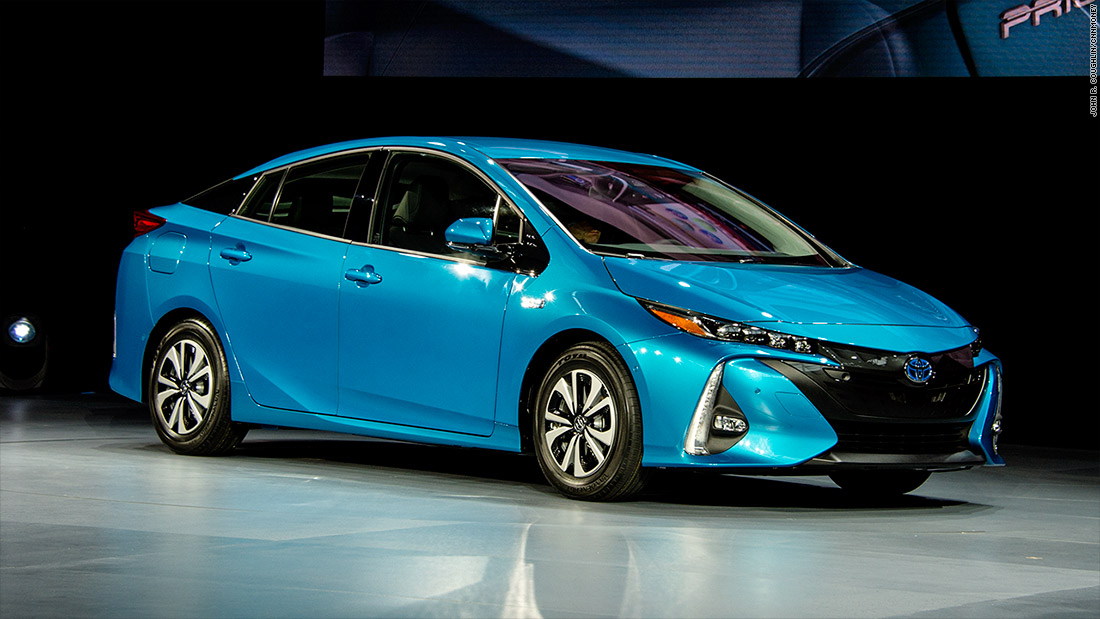 toyota prius prime   cool cars from the new york auto show