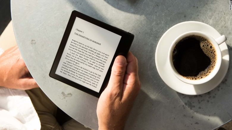 Amazon Kindle Oasis cafe