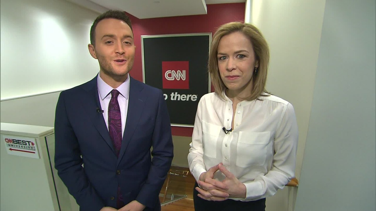 asking for a raise women vs men video personal finance cnnmoney s clare sebastian and samuel burke engage in a mock salary discussion and put their negotiating skills to the test