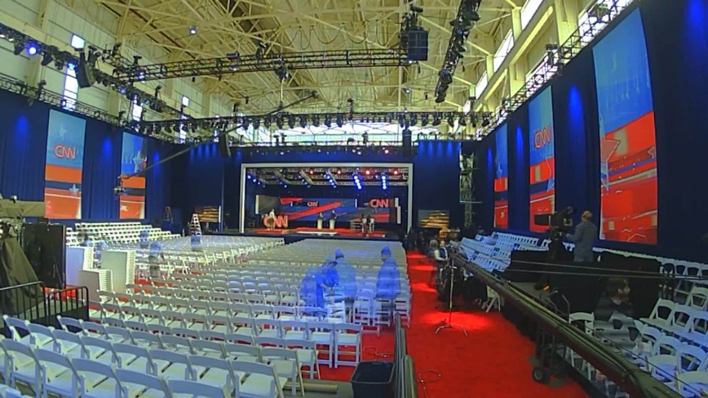 Watch the New York debate stage get built