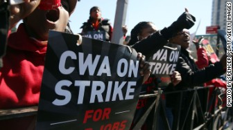 Verizon strike workers