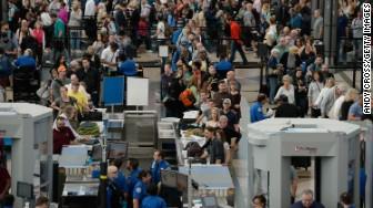 denver airport security line