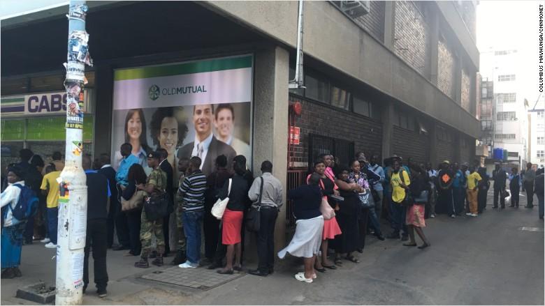 zimbabwe bank line queue bank run